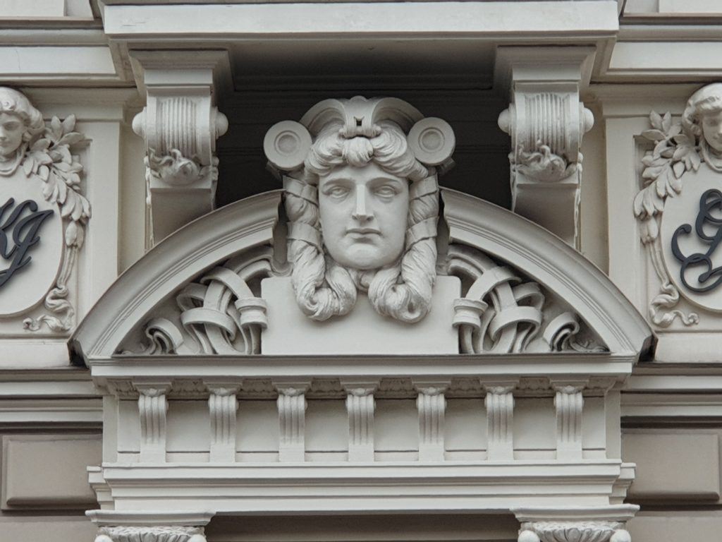 Fregio palazzo liberty in Elizabetes Iela 33 Riga