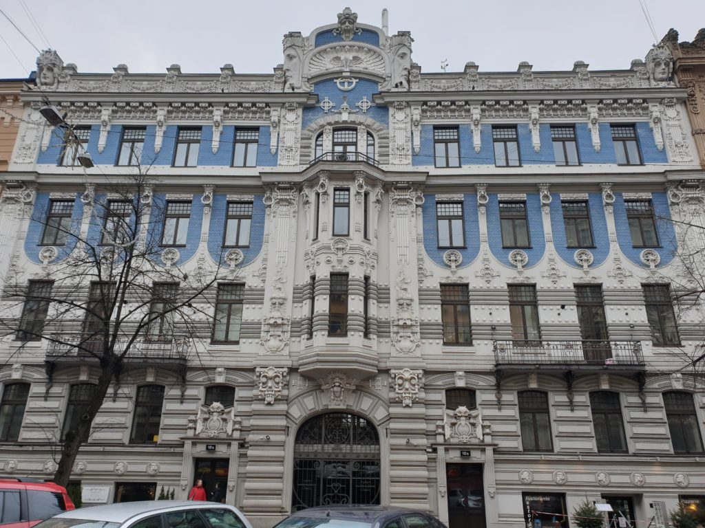 palazzo liberty in Elizabetes Iela 10b a riga