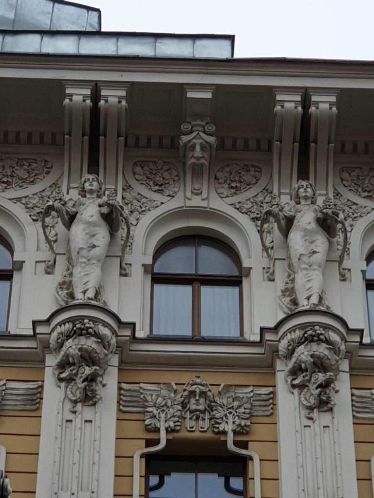 particolare di facciata art nouveau a riga