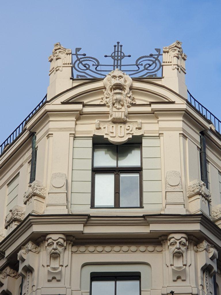 Palazzo in Smilsu Iela 8, anno di costruzione