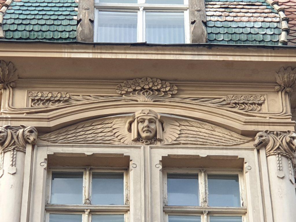 fregio della facciata palazzo liberty in Smilsu Iela 2 a Riga
