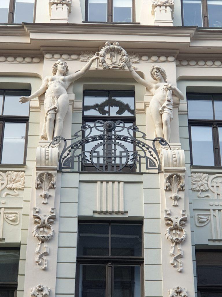 particolare della facciata liberty in Smilsu Iela 8