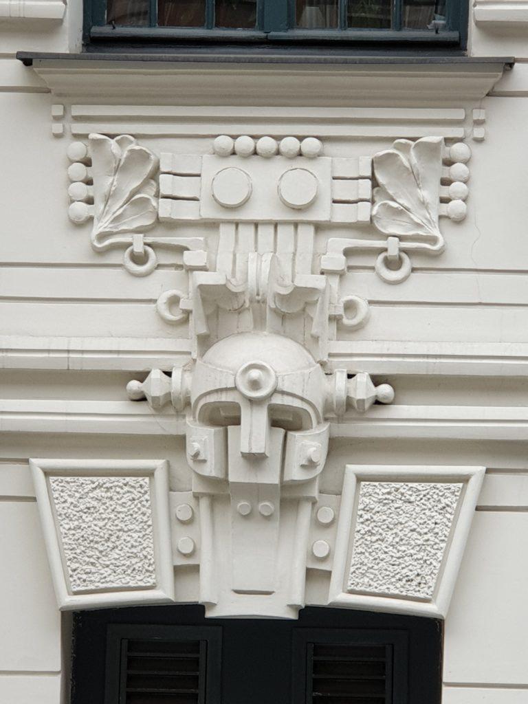 fregio sul palazzo liberty in in Strelnieku Iela 4a