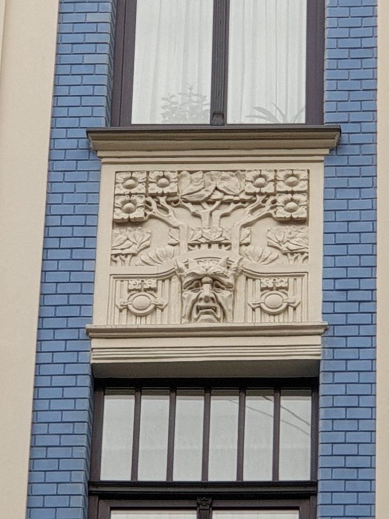 fregio finestre palazzo in Alberta Iela 5 riga