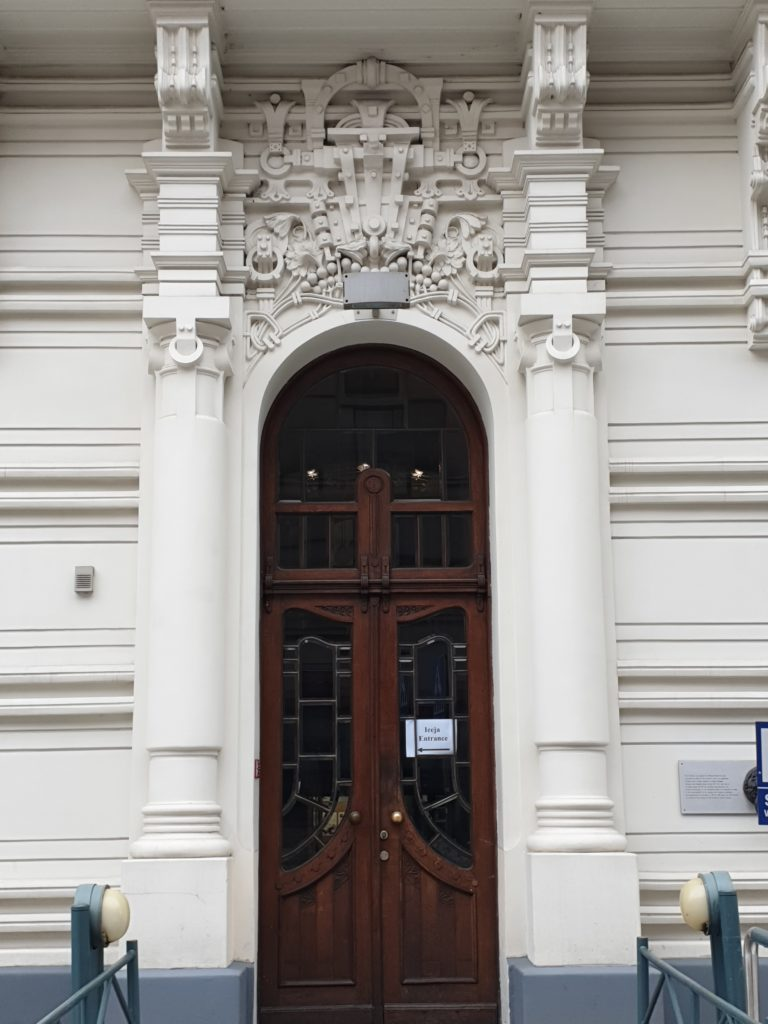 portone liberty in strelnieku iela 4a a Riga
