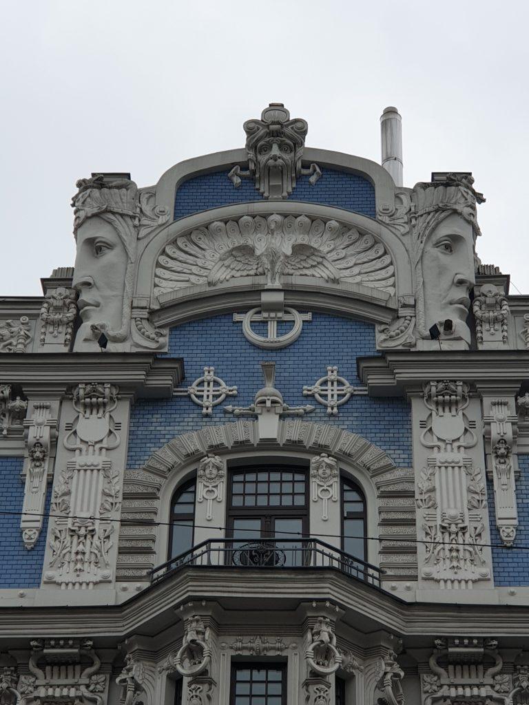 parte della facciata liberty in Elizabetes Iela 10b riga