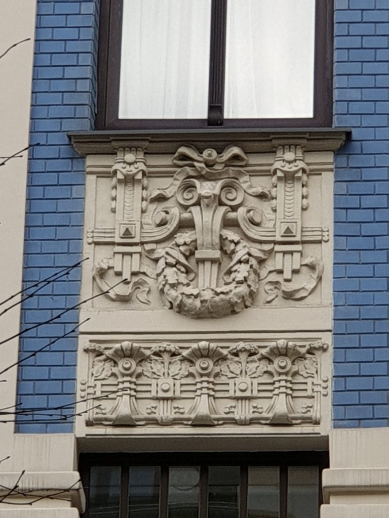 fregio liberty finestre palazzo in Alberta Iela 5 riga