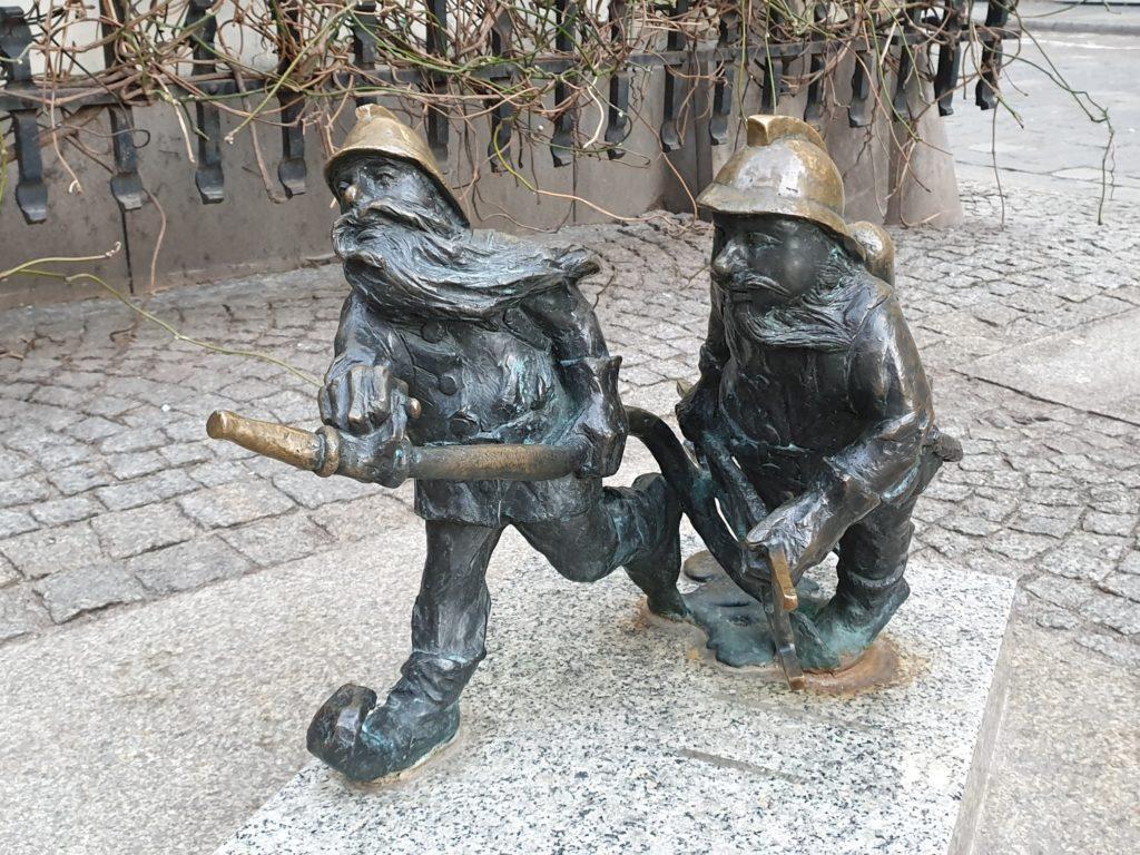 gnomi vigili del fuoco wroclaw