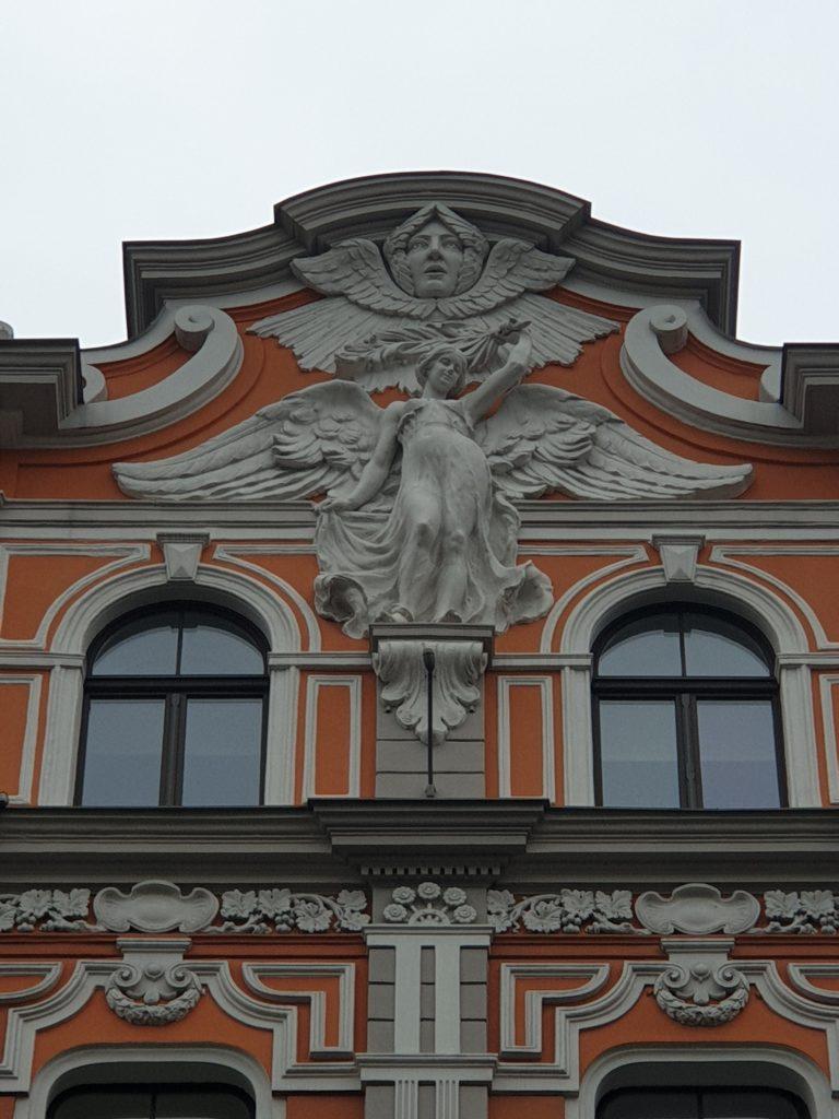 particolare fregio facciata art nouveau a Riga