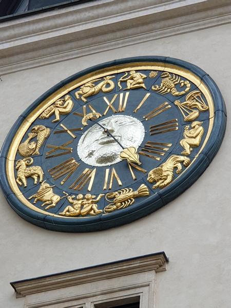 Castello di Pieskowa Skala Polonia orologio della torre