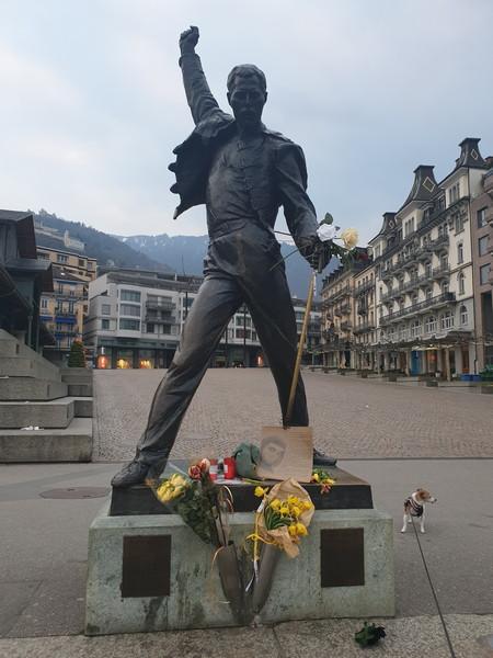 Statua di Freddie Mercury a Montreux, fronte