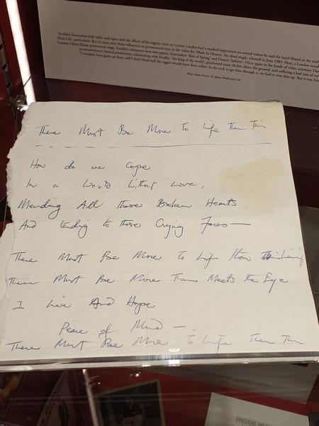 Manoscritto della vetrina Freddie Mercury solo