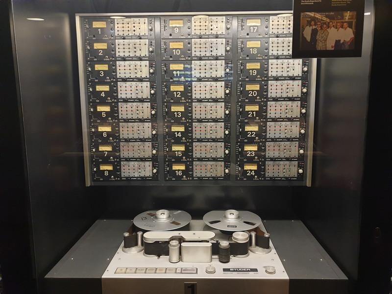 Studi Queen Montreux Strumentazioni nella sala di controllo