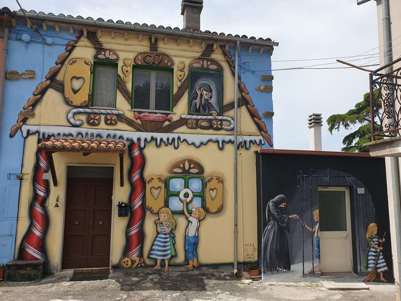 Hansel e Gretel a Sant'Angelo di Roccalvecce