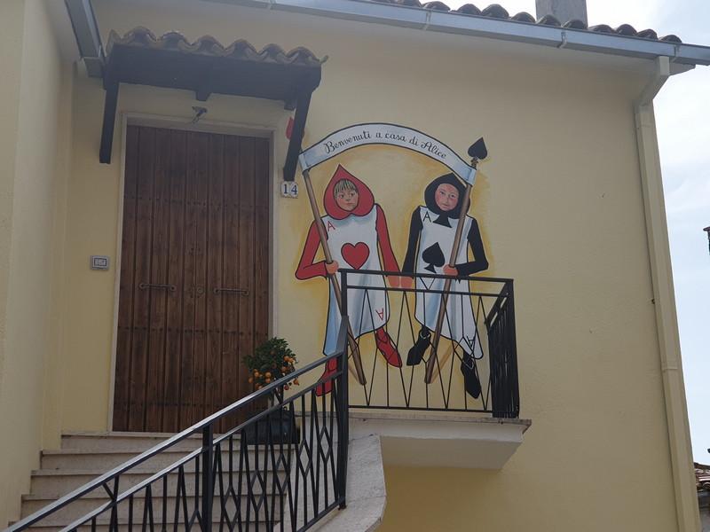 Alice nel paesee delle meraviglie a Sant'Angelo di Roccalvecce 2